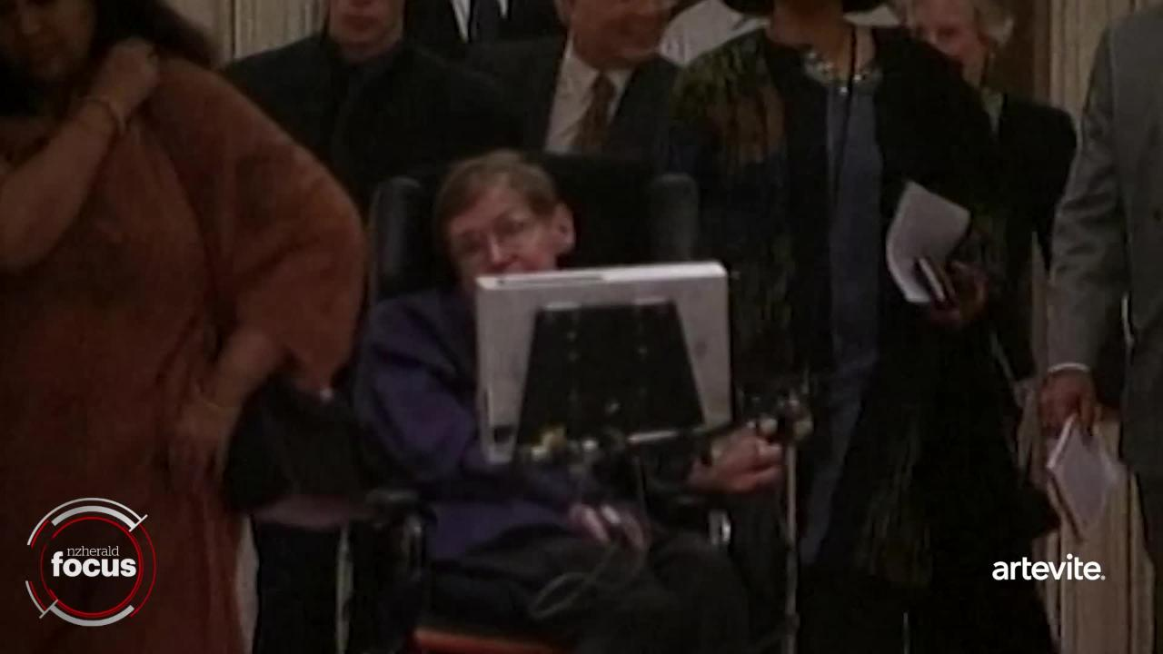Stephen Hawking's tangled private life: Two marriages ended